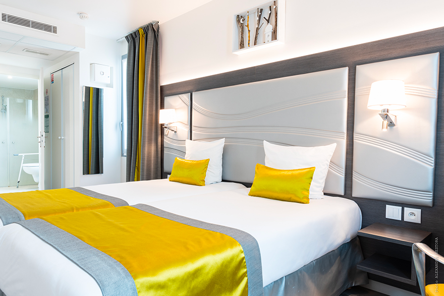 hotel-versailles-chantiers-chambre-twin-superieure-pmr